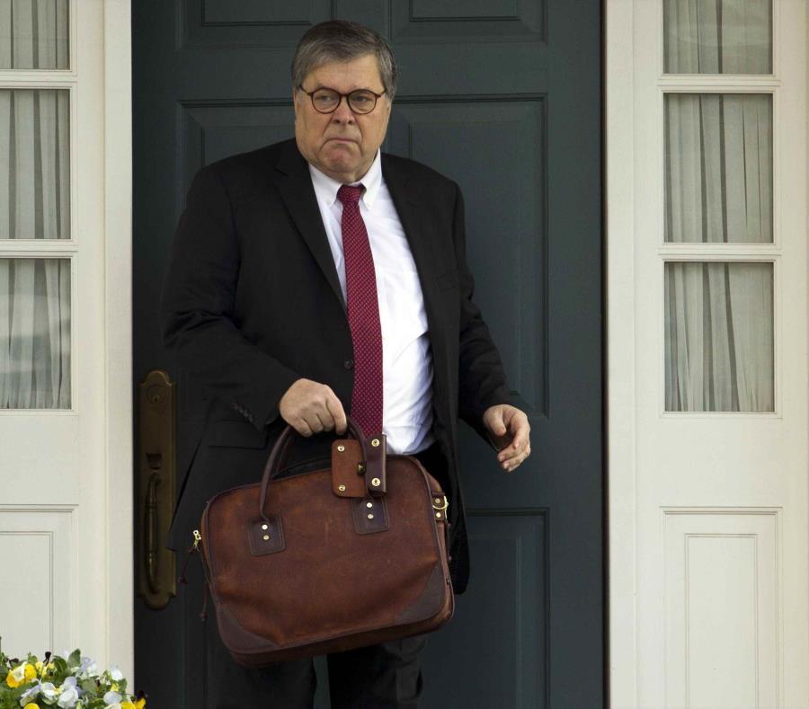 """William Barr le envió el domingo al Congreso una carta resumiendo """"las principales conclusiones"""" de Mueller. (AP) (semisquare-x3)"""