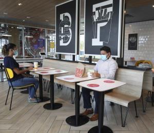 En jaque el futuro de la industria de restaurantes en la isla