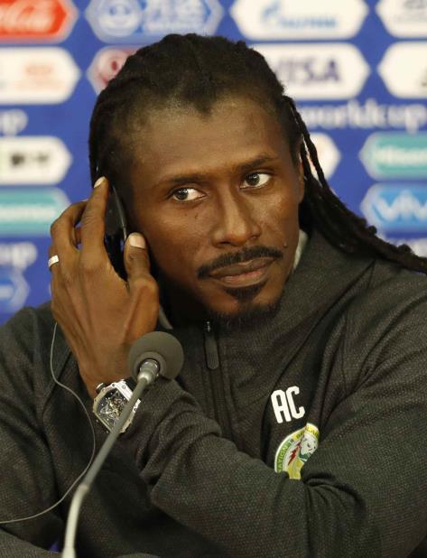 Aliou Cisse señaló a Florent Ibenge, el entrenador del seleccionado del Congo, como una muestra de progreso. (AP / Eduardo Verdugo) (vertical-x1)