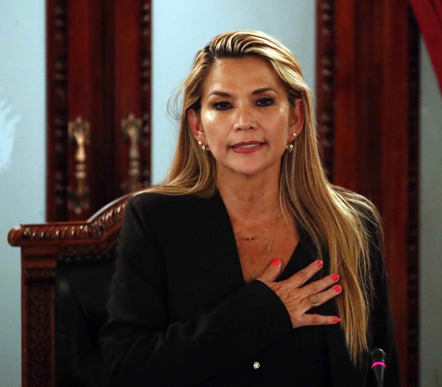 Brasil reconoce a Jeanine Añez como presidenta interina de Bolivia: medios