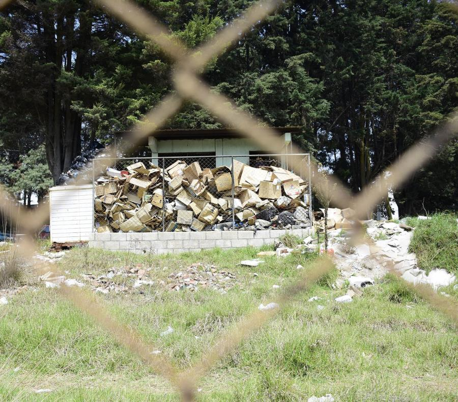 La Policía continúan las investigaciones para establecer quiénes lanzaron los restos y demás desperdicios en el parque, un área protegida (semisquare-x3)
