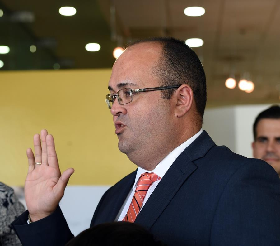 A Rafael Ramos Sáenz se le imputa haber violentados los cánones de ética judicial al participar activamente en la campaña de un partido político, acción que está prohibida en el Canon 28. (semisquare-x3)
