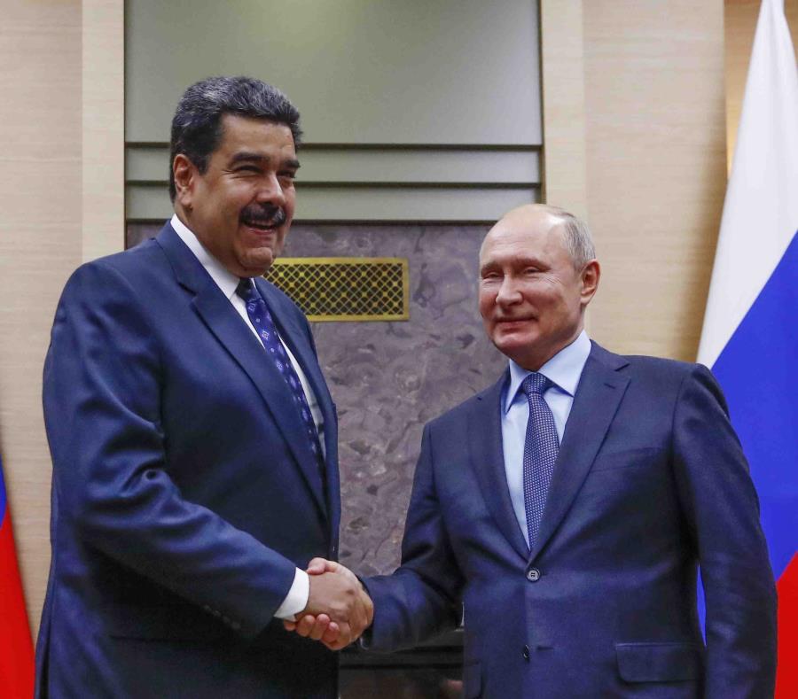 A la izquierda el presidente de Venezuela, Nicolás Maduro, junto al presidente de Rusia, Vladimir Putin (semisquare-x3)