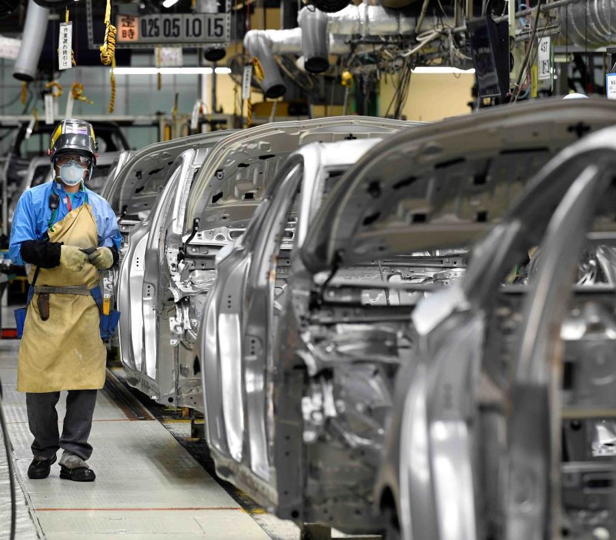 Toyota dijo que sus ventas totales de híbridos se redujeron un 24.7 %. En la imagen, la planta de ensamblaje Tsutsumi en Toyota, cerca de Nagoya. (EFE) (semisquare-x3)