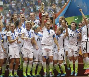 La FIFA anuncia una iniciativa global para el fútbol de mujeres