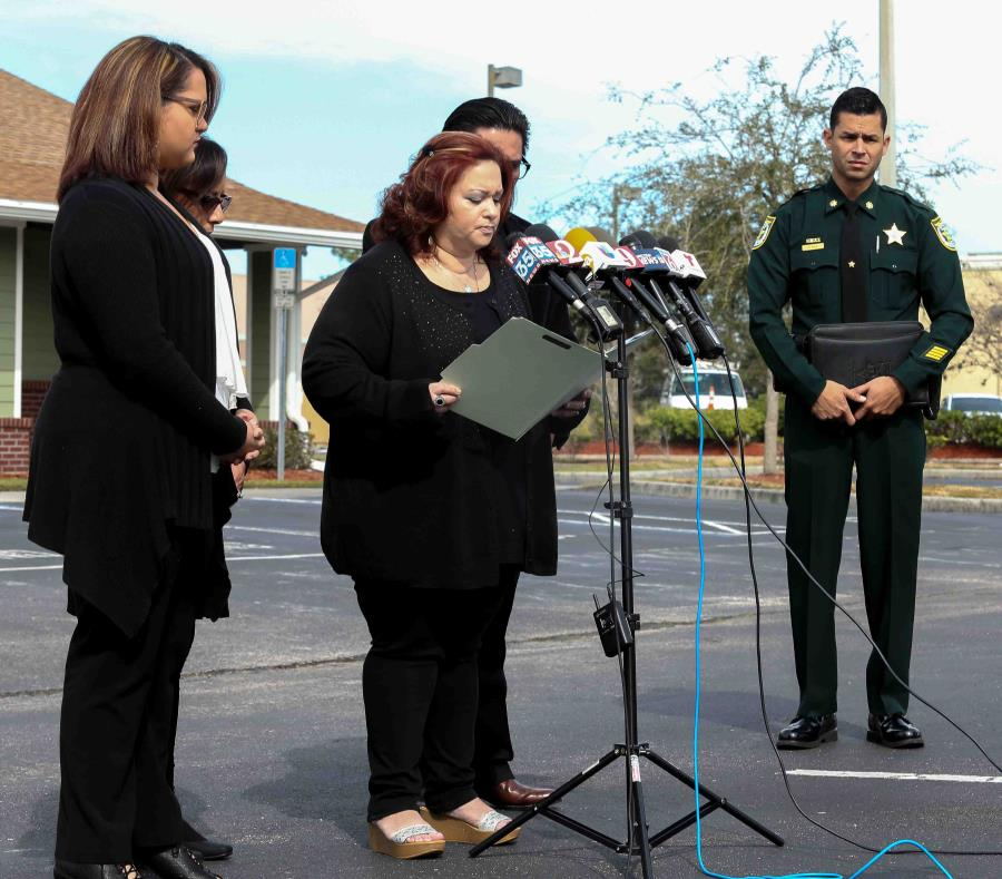 Familiares de Janice Zengotita-Torres hablan durante una conferencia de prensa el pasado 17 de enero en Kissimmee. (semisquare-x3)