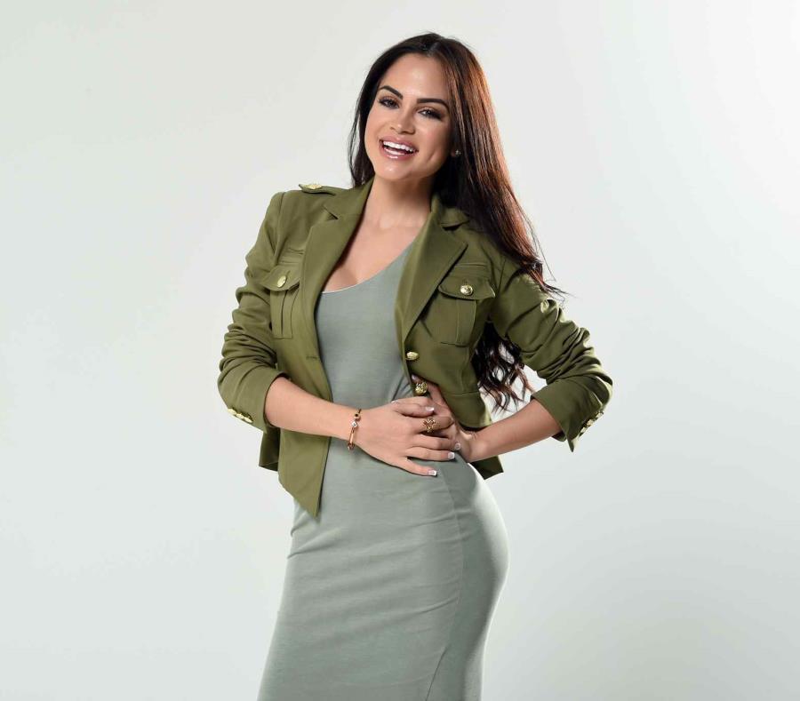 Natti Natasha, cantante dominicana. (semisquare-x3)