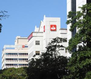 Santander Securities deja a clientes en el limbo luego de multas