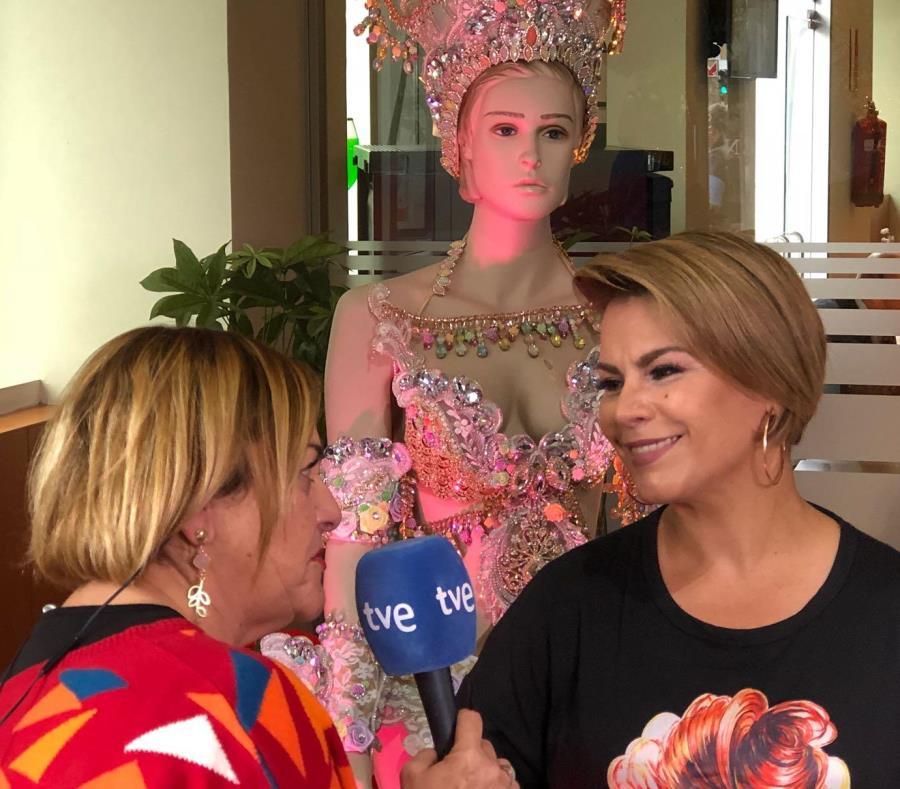 A su regreso a los carnavales de Tenerife, tras 20 años de ausencia, Olga Tañón fue entrevistada por diversos canales de televisión y emisoras radiales españolas. (Suministrada) (semisquare-x3)