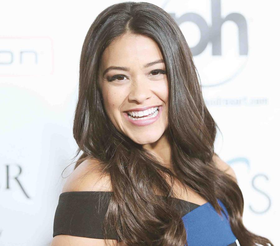 Gina Rodríguez le dará voz a la famosa ladrona Carmen Sandiego (semisquare-x3)