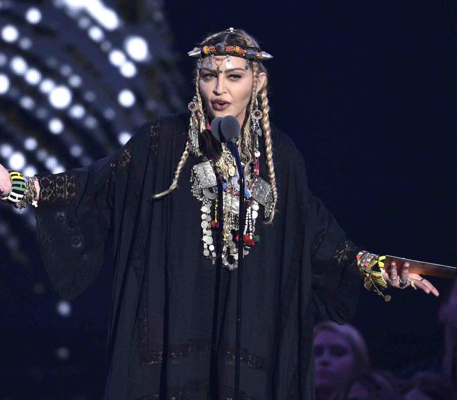 Madonna presenta un homenaje a Aretha Franklin durante la ceremonia de los Premios MTV a los Videos Musicales, el lunes 20 de agosto del 2018 en Nueva York. (AP) (semisquare-x3)