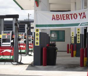 Detallistas de gasolina piden apertura total de sus servicios