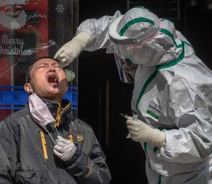 Funcionarios de inteligencia concluyen China ocultó alcance de brote de coronavirus