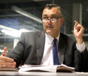 Un informe revela que extitular del Banco de Desarrollo Económico pudo cometer delito