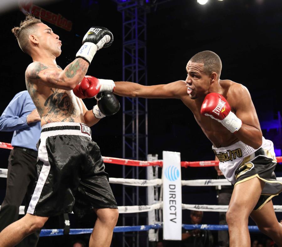 Danielito Zorrilla (derecha), aquí en un combate ante Onyx Currás, es parte de la cartelera estelarizada por Óscar Negrete y Joshua Franco. (Suministrada / Miguel Cotto Productions) (semisquare-x3)