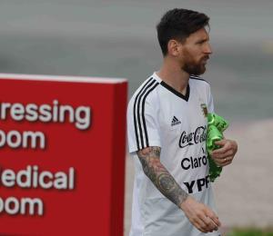 Argentina quiere recuperar al deprimido Messi