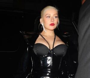 Christina Aguilera cancela temporalmente su gira tras perder la voz