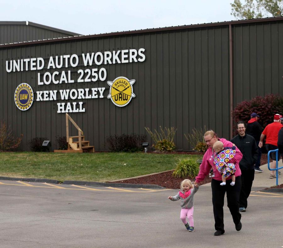 Concluye paro en General Motors Silao