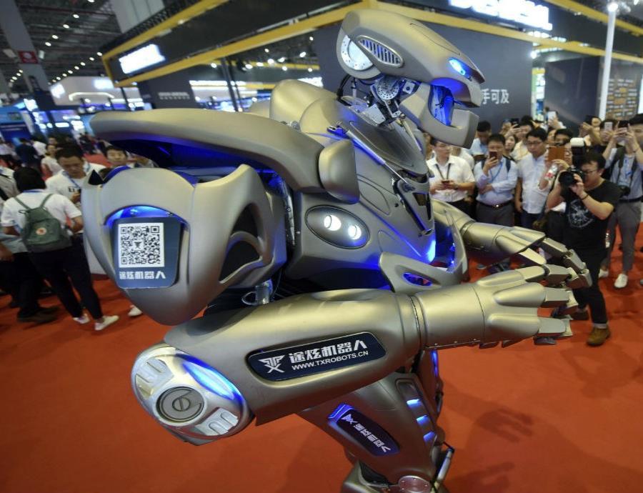 Se cree que estos humanoides serán capaces de transmitir sus pensamientos mediante equipos electrónicos de telepatía. (semisquare-x3)