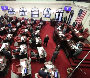 El Senado aprueba el proyecto de la reforma educativa con enmiendas