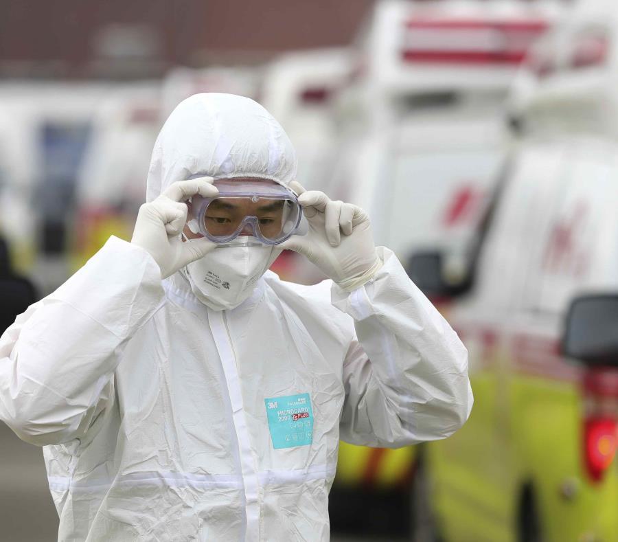 Ya son 2.345 los muertos por el coronavirus en China