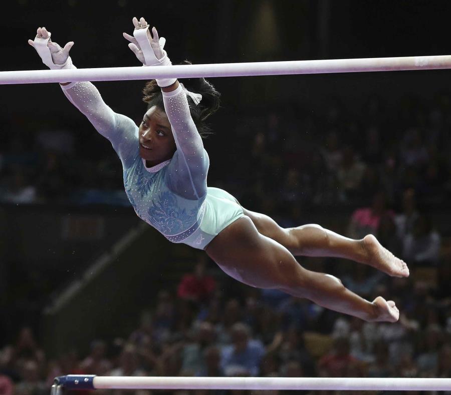 Nike es una de las empresas que patrocina a Simone Biles. (AP / Elise Amendola) (semisquare-x3)