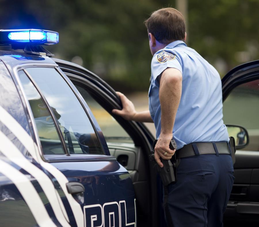 En el vehículo la Policía ocupó un arma modelo Glock, calibre 45 (semisquare-x3)