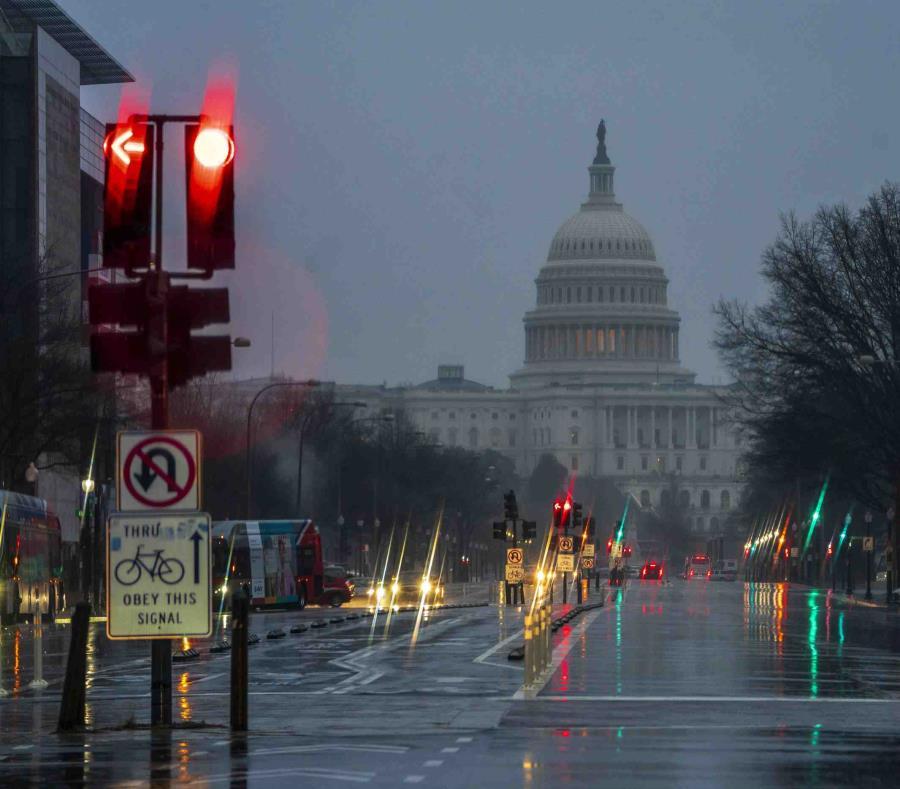 El Capitolio en una mañana lluviosa en Washington. (semisquare-x3)