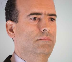 La Asppro le envía libros sobre periodismo al presidente de la Junta