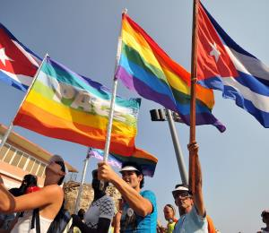 Televisión cubana se disculpa por censurar beso homosexual en una película