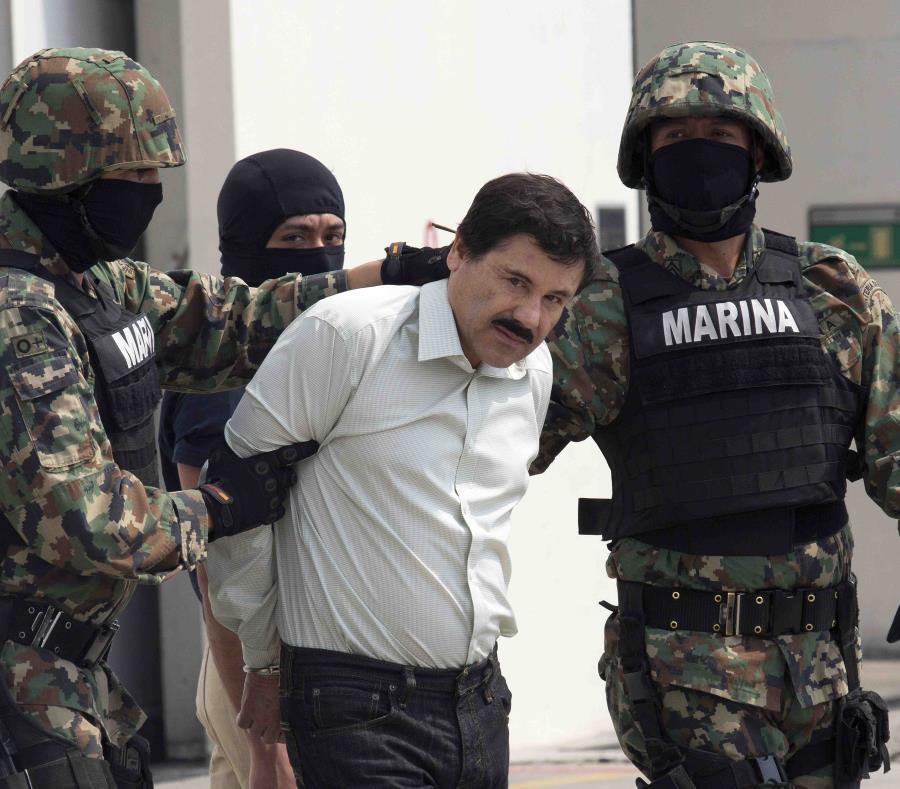 """""""El Chapo"""" fue arrestado en 2014 y se escapó por un túnel de la cárcel mexicana donde se encontraba en 2015. En el 2016 volvió a ser arrestado. (Bloomberg) (semisquare-x3)"""