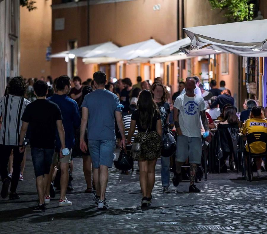 Aumentan casos de covid-19 en Italia por quinto día seguido