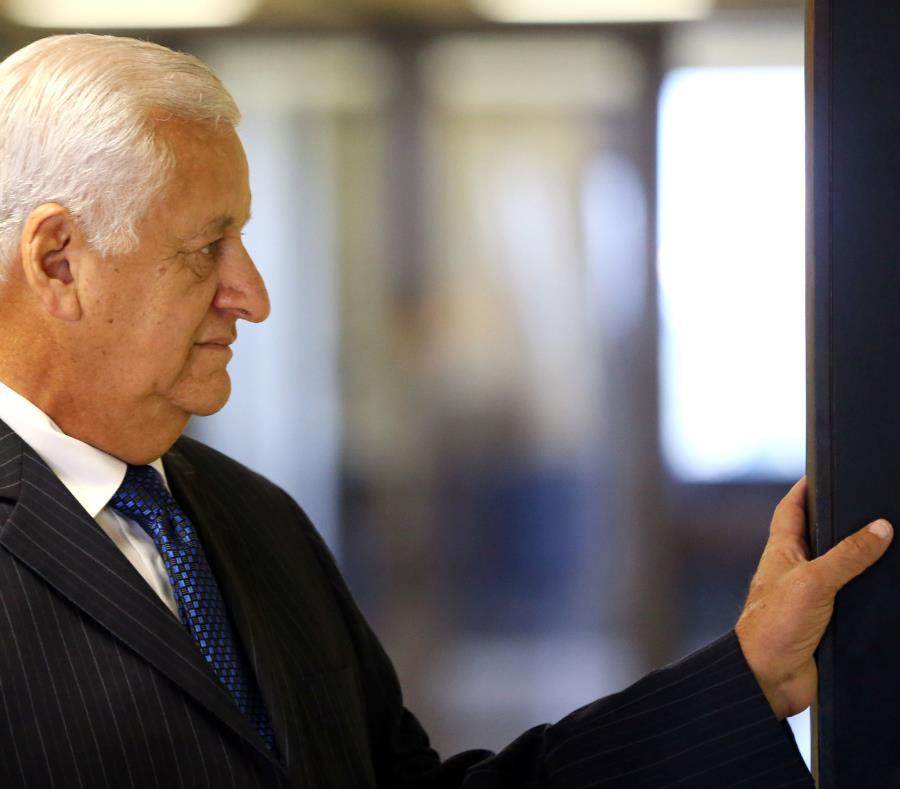 Héctor O'Neill al entrar a la sala del Tribunal de Primera Instancia de Bayamón. (semisquare-x3)