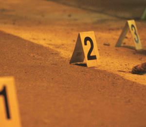 Asesinan a tiros a un joven de 21 años y hieren a otros dos hombres en Jayuya
