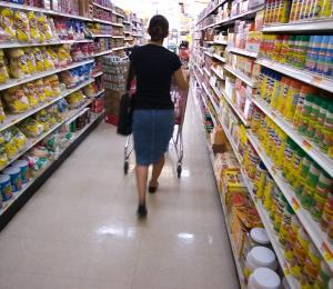 Un estudio revela que disminuye el gasto en las compras de alimentos y bebidas en la isla