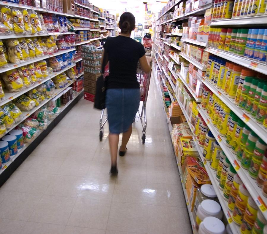 Los supermercados y las tiendas con membresía han sentido la reducción en las compras (semisquare-x3)
