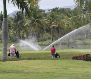 Lista la 'cancha' del Coco Beach para recibir a los golfistas boricuas