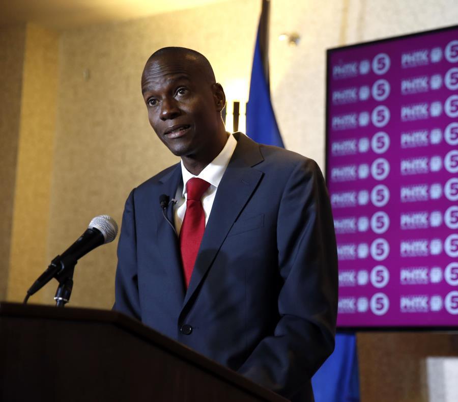 El presidente haitiano señaló que su gobierno impulsa también un programa de electrificación con muchos puntos de coincidencia con el programa cubano. (EFE / Orlando Barría) (semisquare-x3)