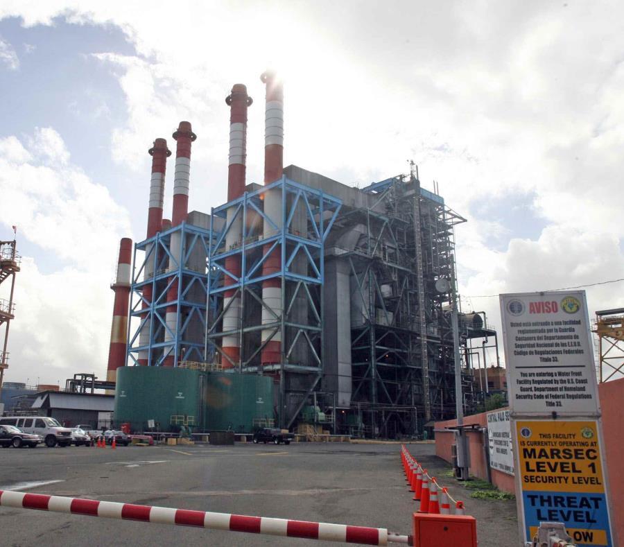 Vista de la Central San Juan de la Autoridad de Energía Eléctrica. (GFR Media) (semisquare-x3)