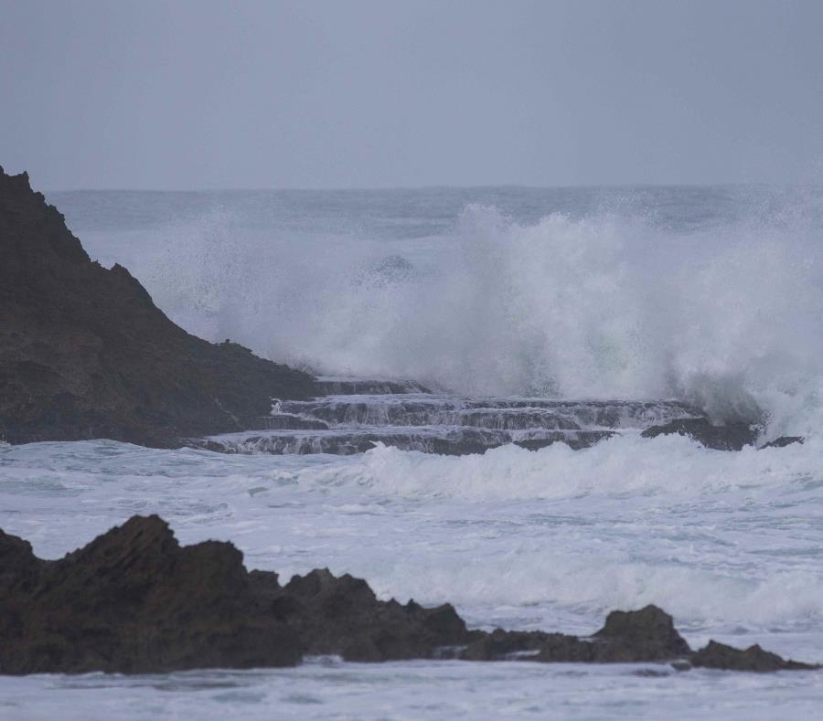 El oleaje estará de 10 a 12 pies, pero podrían llegar olas rompientes de 16 pies. (semisquare-x3)