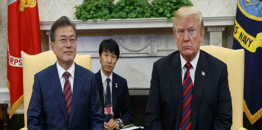 El presidente de Estados Unidos, Donald Trump, se reunió hoy el su homólogo de Corea del Sur, Moon Jae-In.  (AP) (horizontal-x3)