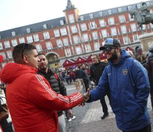 """Madrid estima la llegada de cientos de hinchas """"violentos""""para el partido entre el River Plate y el Boca Juniors"""