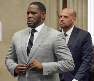 Actualizan acusación de abuso sexual contra R. Kelly