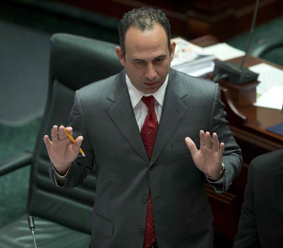 El exrepresentante Eduardo Ferrer recalcó que en el ámbito político, su hermano es el indicado para expresarse sobre su futuro político. (semisquare-x3)