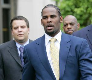 Radican 10 cargos contra R. Kelly por abuso sexual