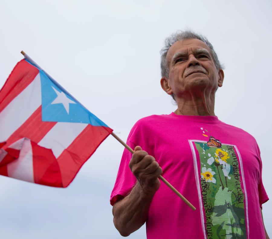 Oscar López Rivera lamenta la pobreza que quedó al descubierto tras el paso del huracán María en septiembre pasado. (GFR Media) (semisquare-x3)