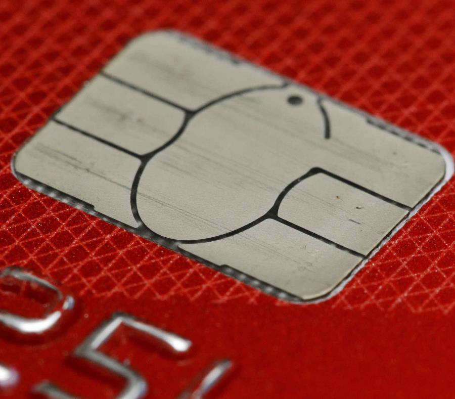 Si quieres congelar tu crédito tienes que visitar los portales de  Equifax, Experian y TransUnion. (AP) (semisquare-x3)