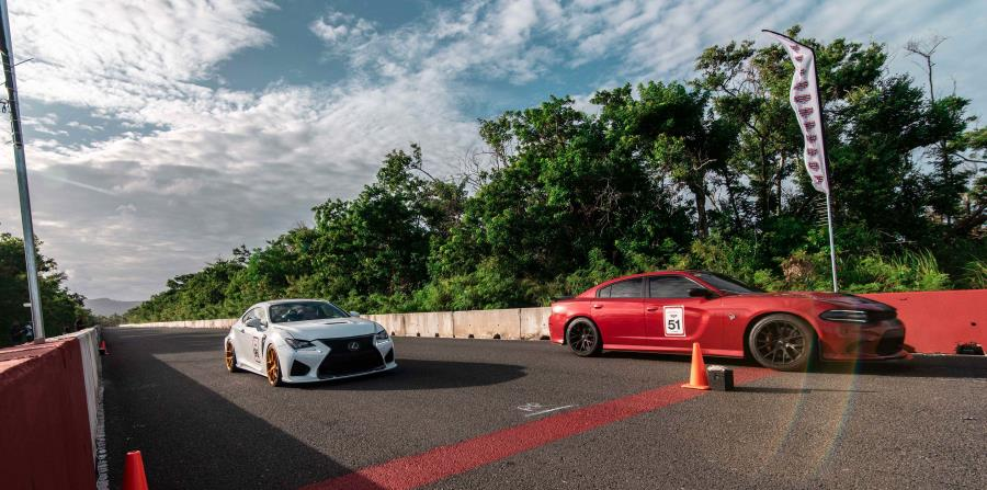 Los autos más rápidos y exóticos de la isla y el Caribe se enfrentaron en la modalidad más entretenida del automovilismo llamado el Roll Race. (horizontal-x3)