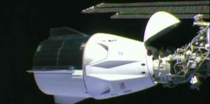 La cápsula Dragón hace historia al llegar a la Estación Espacial Internacional