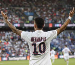 Reducen a dos juegos la sanción a Neymar en la Champions